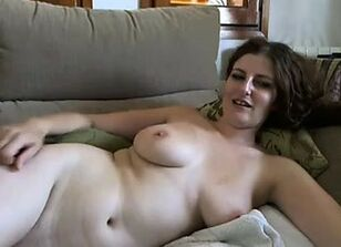 Hairy mature pussy solo