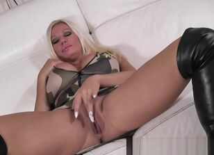Milf sucks big cock