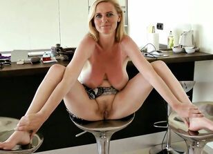 Mature women spread